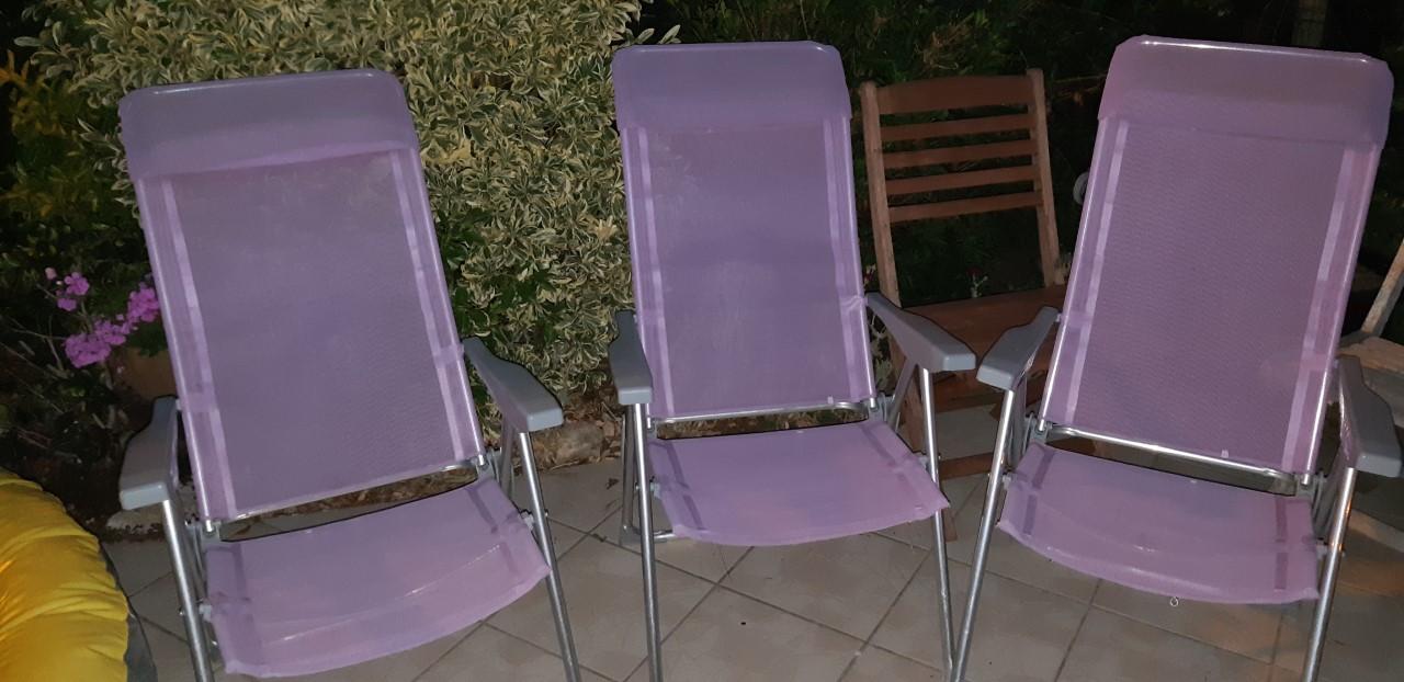 Photo don 3 chaises de jardin