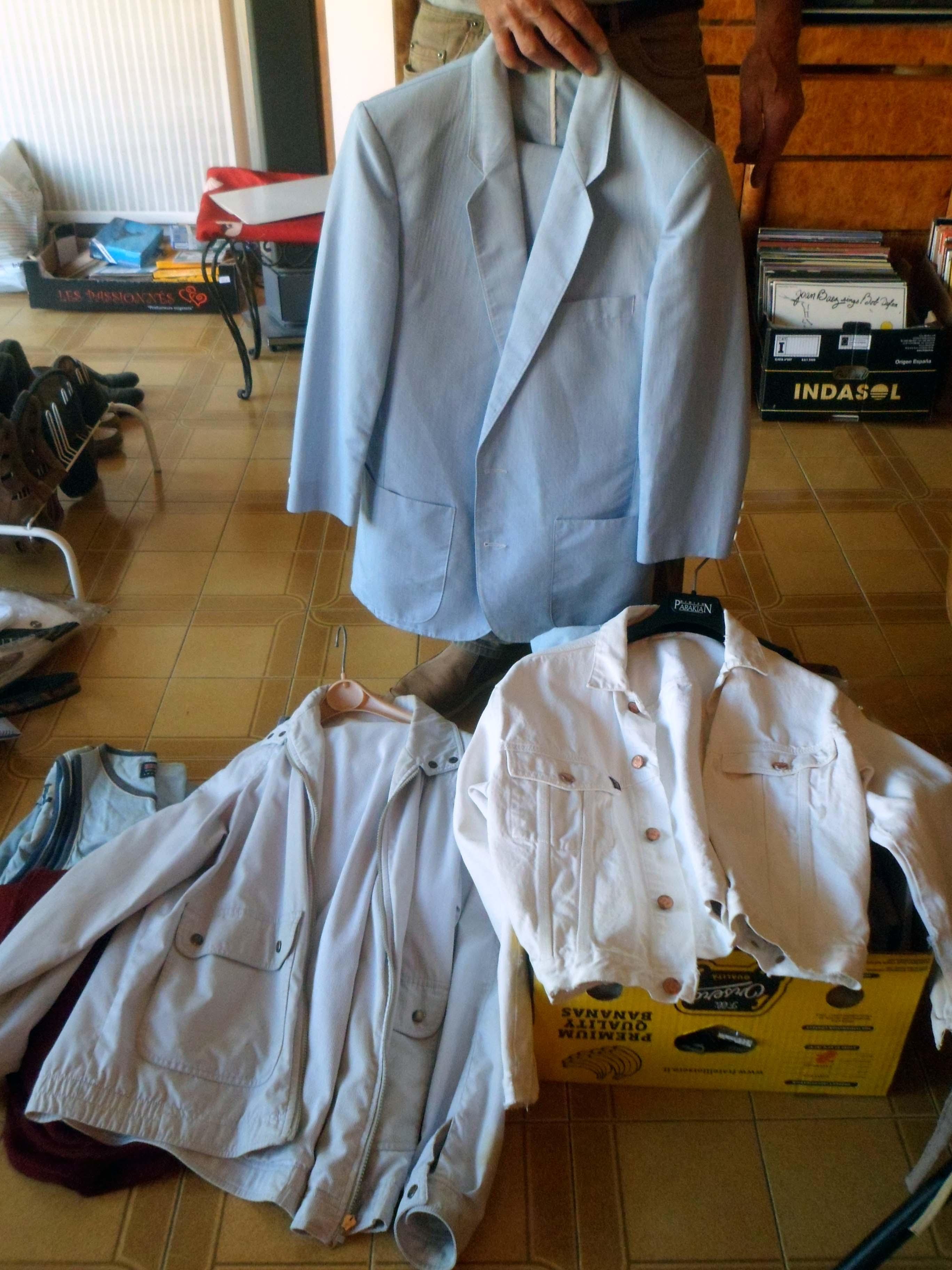 Photo don Lot de 2 blousons + 1 veste homme